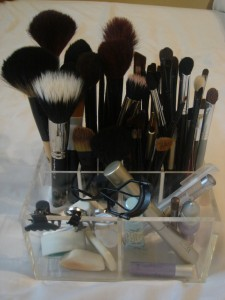 tips to store make up brushes