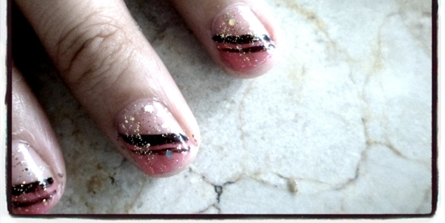 Nail Art Saturdays: The Pink Slash Nail Design